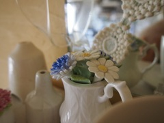 26,陶器のお花可憐ね.jpg