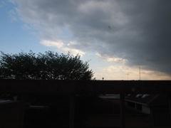 あらら 怪しい空模様に.jpg