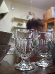 お土産のグラスとどんぶり.jpg