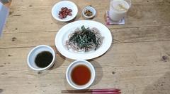 お昼はお蕎麦.jpg
