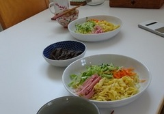 お昼はつけ麺を作りました