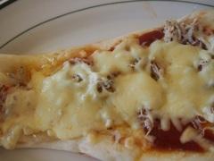 お昼はシラスナンピザ-1.jpg