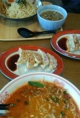 お昼は大好物の坦々麺♪.jpg