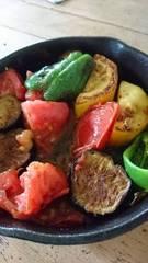 お昼は野菜を焼いて 美味しいなぁ~.jpg