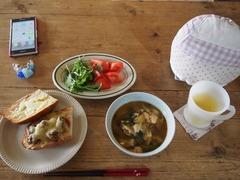 お昼は鍋の残りとチーズトースト-1.jpg