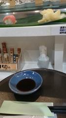 お腹が空いて上野駅で立ち食い寿司ランチ.jpg