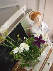 お花とドールがお出迎え.jpg