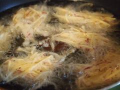 さつま芋は細くして天ぷらに.jpg