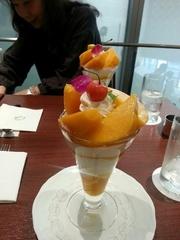 たまらなく美味しいマンゴーパフェ?.jpg