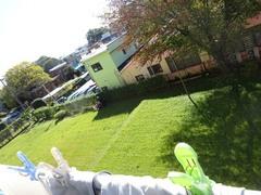 のびた芝に一本線を入れて芝刈り開始です♪.jpg