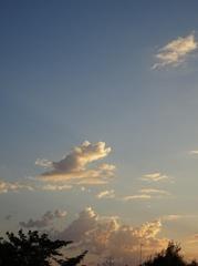 アニメの出てくる帽子の様な雲 今日もいい日でした.jpg