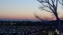 アリオの駐車場の向こうに富士山がこんなに大きく.jpg