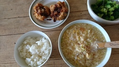 スープと残りものでお昼ご飯.jpg