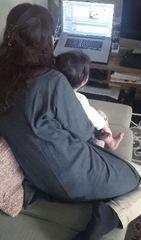 チビちゃんはお婆ちゃんのDVDが大好きです.jpg