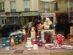 パリのお菓子屋さん 可愛いな~.jpg