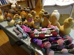 パリのBHV(ベーアッシュヴェー)で買った毛糸の出番です.jpg