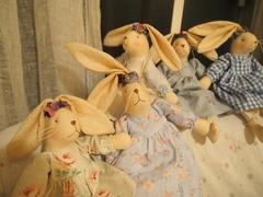 フェルトの耳飾りのウサギちゃん.jpg