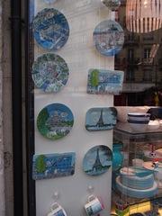 ブルーの絵皿も素敵ね.jpg
