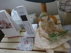 プレゼントがいっぱいのサイドテーブル.jpg