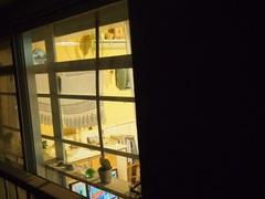 ベランダから夜お部屋を見ると 温かいんだからぁ~.jpg