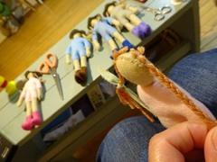 三つ編み部分だけ縫いつけて.jpg