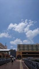 上尾駅は青空の下に.jpg