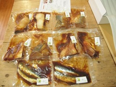 今月は煮魚が届きました~.jpg