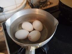 卵を買いに行ったら98円!嬉しい♪.jpg