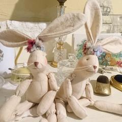 可愛いクシュクシュ耳飾りのウサギさん.jpg
