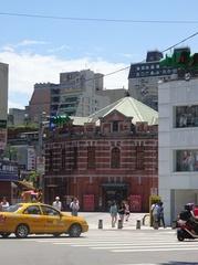台北駅から一つ先の駅に観光へ.jpg
