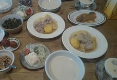 夕ご飯は アッサリ煮た肉じゃが♪おいも美味しい^;^.jpg