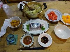 夕ご飯はお鍋と留守番ご褒美のお刺身で(笑).jpg
