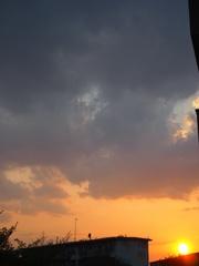 夕方から雲行きが怪しくなって.jpg