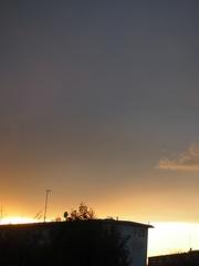 夕方西の空が変な感じに.jpg