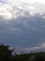 夕方6時前 怪しい空だ.jpg