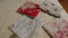 夜に手縫いでコースターを6枚縫いました.jpg