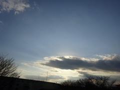 大きな雲が太陽を隠して急に寒くって.jpg