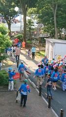 子供神輿が練り歩きます.jpg