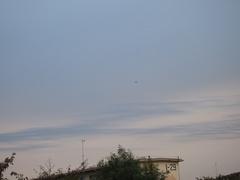 小型飛行機が気持ちよさそうに飛んで行った.jpg