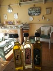 山ちゃんの小豆島土産のオリーブオイルです.jpg
