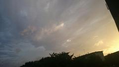 怪しい雲ゆき 台風が近いかな?.jpg