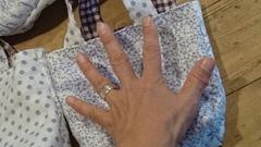 手のひらサイズの小さな袋.jpg