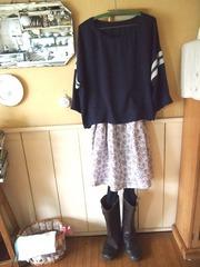 最新手作りスカートが初日の装いです.jpg