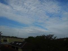 朝7時 なんか変な雲が.jpg