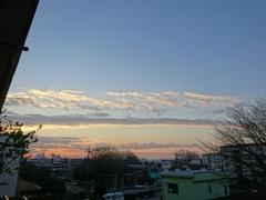 朝7時雲を染めて朝陽が昇ります.jpg