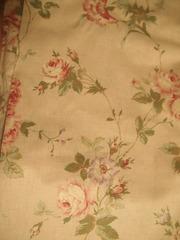 綺麗なバラの柄の生地 スカート作ります.jpg
