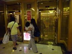 通い慣れたるエレベーター♪.jpg
