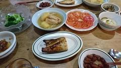 頂いたジャガイモをさっそく鶏と煮て.jpg