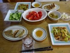 黒豚餃子とキャベツ炒め トマト美味しい♪.jpg