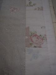 17、色褪せたトイレマットの花柄.jpg